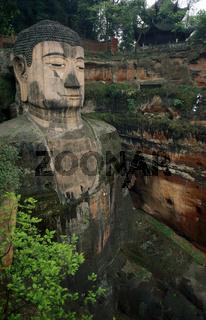 Der Grosse Buddha bei Leshan in der Provinz Sichuan in China in Ostasien.