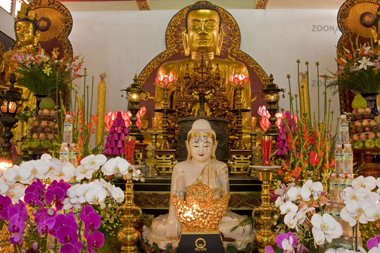 Buddhastatue atVinhTrang,Pagoda,MyTho,Mekong,Delta