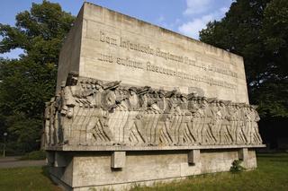 Kriegerdenkmal am Dammtordamm in Hamburg, Deutschland