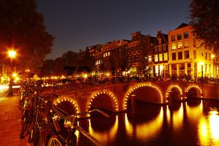 Amsterdam - Gracht in der Dämmerung