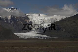 Svínafellsjökull is one of the outlet glaciers (glacier tongues) of the Vatnajökull ice cap. Skaftafell