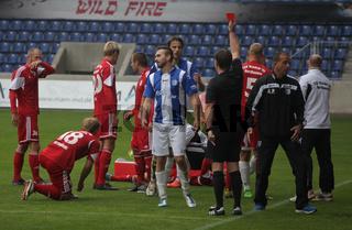 Christopher Reinhard (1.FC Magdeburg) sieht ROT