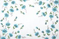 Tuch mit Blumendekor - Cloth with flowers