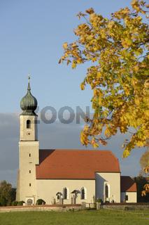 Kirche 'Mariä Geburt' in Kreuz / Glonn