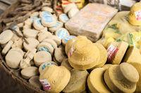 Thanaka wood powder, Burmese cosmetic mask