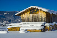 Brennholz, Holzschuppen, Lorettowiesen, bei Oberstdorf, Allgäuer Alpen, Allgäu, Bayern, Deutschland, Europa