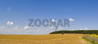 Landschaft mit Windraedern, Brandenburg, Deutschland, Europa