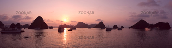 Purple sunset in Halong Bay