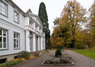 Kurhaus im Kurpark Bad Nenndorf, Niedersachsen
