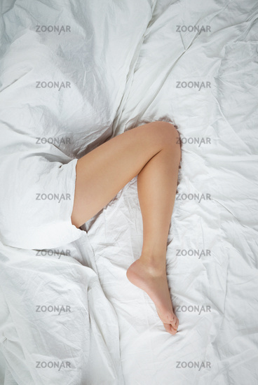 leg in bed