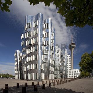 D_Gehry_Rheinturm_07.tif