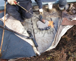 Reparatur einer Flachdachabdichtung