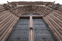 Das Hauptportal vom Basler Münster