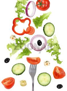 Fallender Salat essen mit Gabel, Tomate, Gurke und Paprika