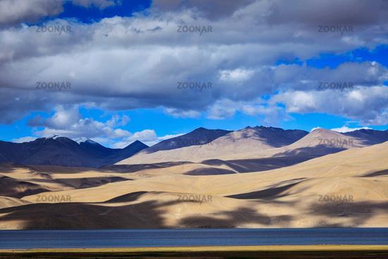 Himalayan mountain lake in Himalayas Tso Moriri (official name: Tsomoriri Wetland Conservation Reserve)