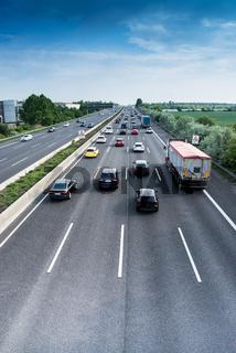 Verkehrsfluss auf Autobahn