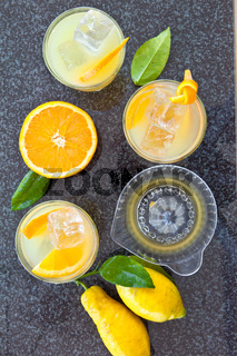 Frische Orangenlimonade