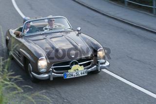 Südtirol Classic Cars_MERCEDES 300 SL brown