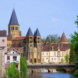 Paray-le-Monial Sacre-Coeur 07
