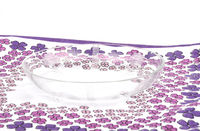 Glasschale auf Tuch - Bowl of glass on cloth