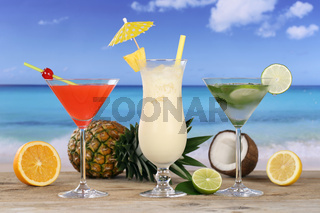 Cocktails und Drinks am Strand und Meer