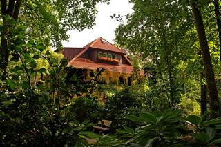 Haus im Grünen / House in the Green