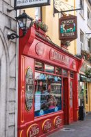Colored Pub in Killarney