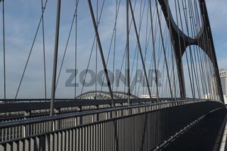 Osthafenbrücke in Frankfurt
