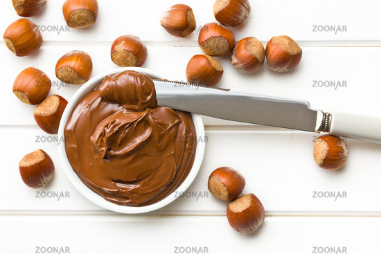 chocolate spread in bowl