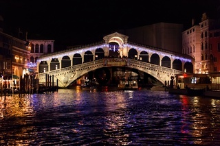 Rialto Bridge (Ponte Di Rialto) in Venice