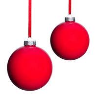 zwei rote Weihnachtsbaumkugeln