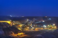 Spreaders and conveyor in open pit mining, Night S