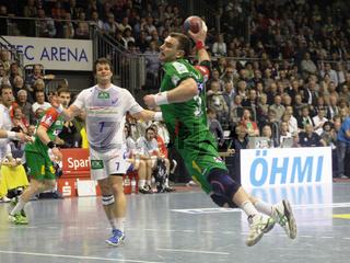 B.Jurecki(SCM) beim Torwurf im Spiel SC Magdeburg-HSV Handball 29.Spieltag Bundesliga Saison 2013/14