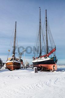 Boote im Stadthafen Rostock