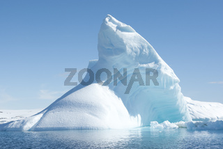 Icebergs in the solar glare.