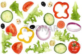 Fliegende Zutaten für Salat mit Tomate, Gurke, Zwiebel und Paprika