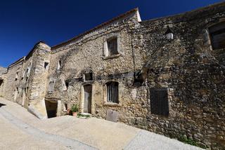 alte Steinhäuser in der Provence