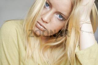 golden girl (2).jpg