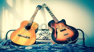 Zwei Gitarren