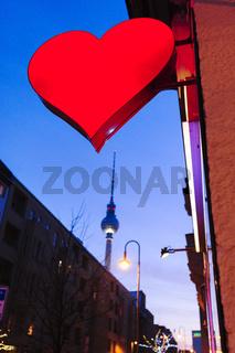 Rotes Herz - Leuchtreklame eines Sex-Shops in Berlin-Mitte, Deutschland, Europa