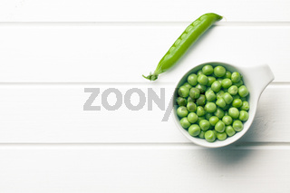 green peas in bowl