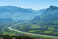 Blick in das Rheintal bei Balzers
