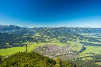 Panorama vom Schattenbergkreuz, 1692m, auf Oberstdorf, Allgäu, Bayern, Deutschland, Europa