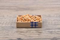 Weizen auf Holz - Wheat on wood