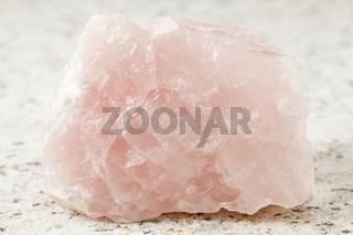Rosenquarz kristall