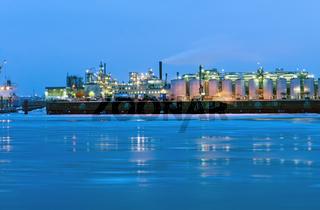 Industrie an der Elbe
