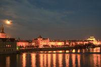 Vollmond, Bedrich Smetana Museum im ehemaligen Wasserwerk, dahinter der Altstädter Wasserturm, Smetana Kai, Altstadt, Prag, Böhmen, Tschechien, Tschechische Republik, Europa