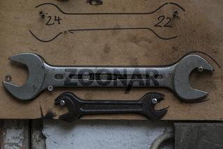 Gabelschlüssel in einer Schlosserei