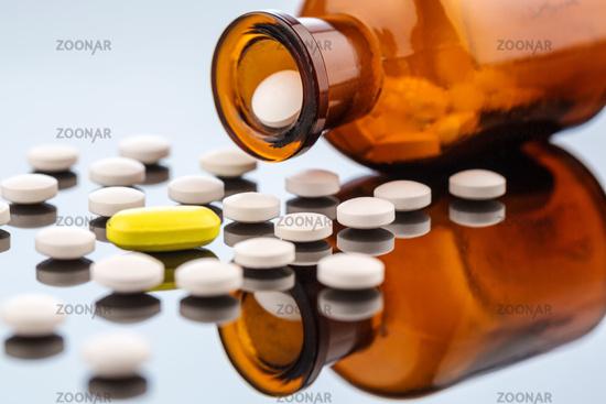 Viele Tabletten mit Beh