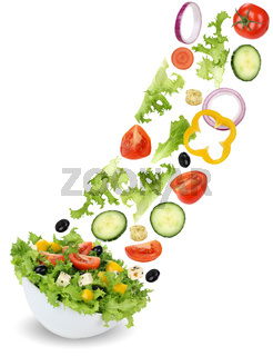 Fliegender Salat mit Tomate, Gurke, Zwiebel und Paprika